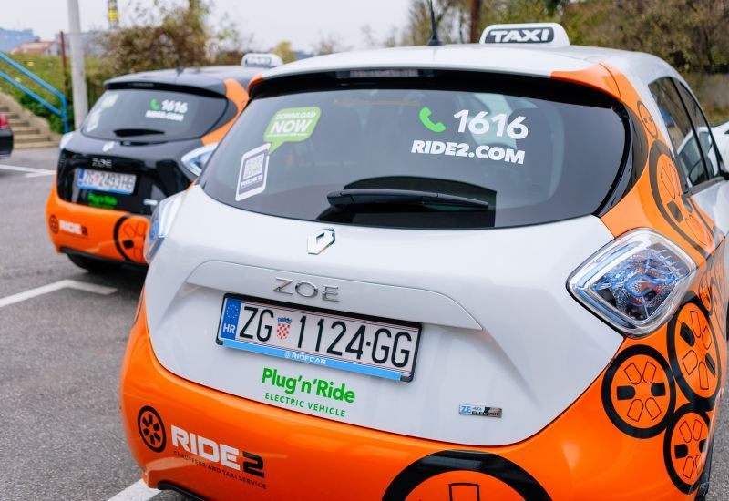 Electric cars in the role of a taxi